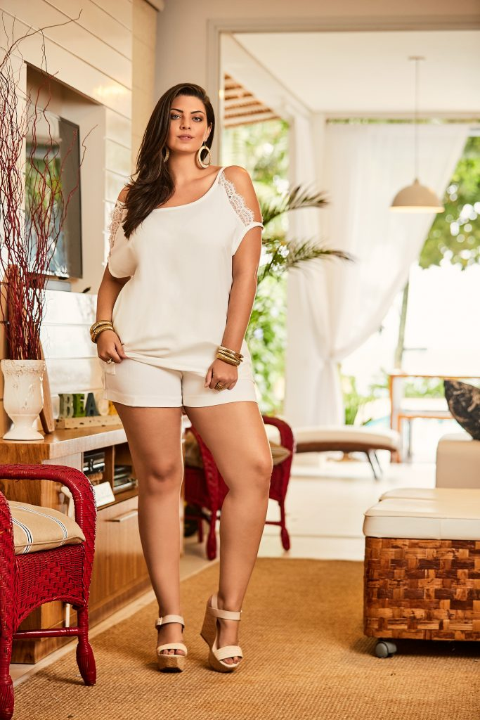look plus size all white