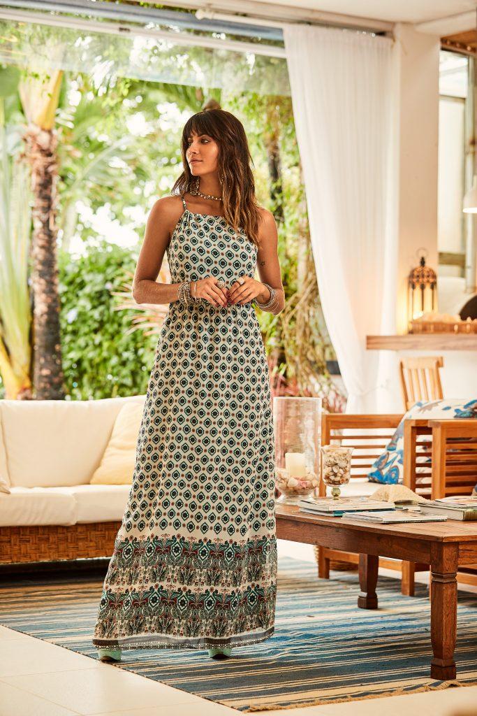 vestido longo com estampa etnica