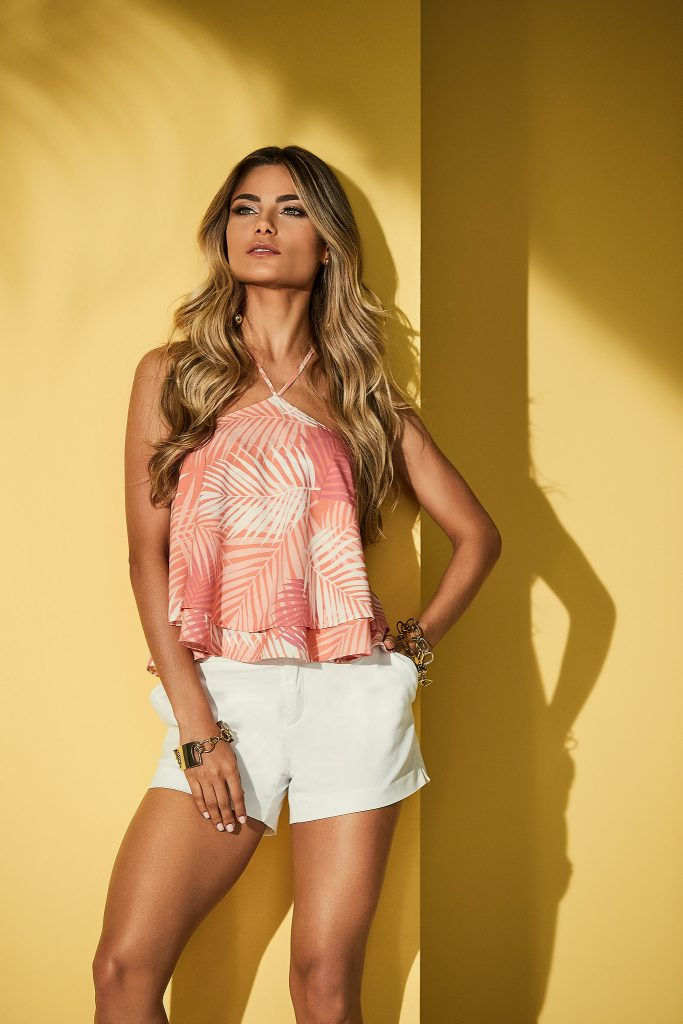 blusa estampa tropical