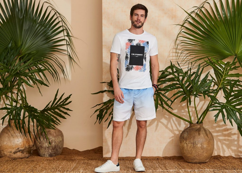 Camiseta tropical masculina
